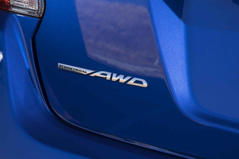 今日の乗用車用4WDは、電子制御式の多板クラッチやカップリングによるオンデマンド型が主流。センターデフから常時前後輪に駆動力を供給するフルタイム4WDは、貴重な存在となりつつある。