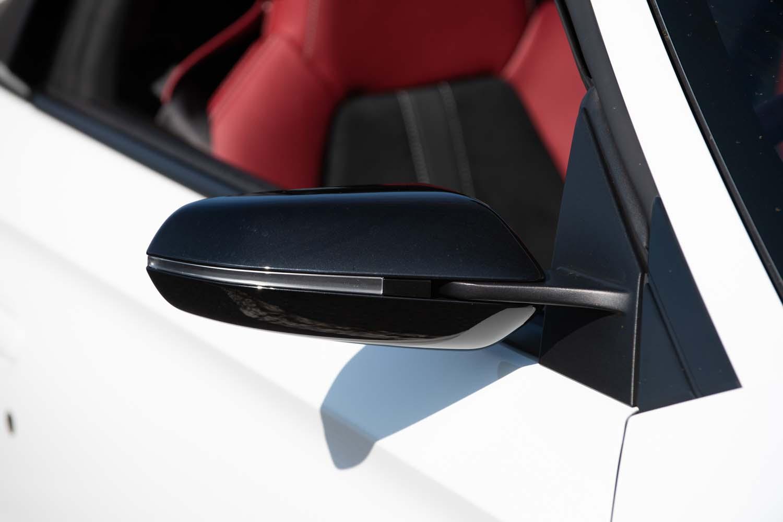 「モデューロX」専用ドアミラーカバーのカラーリングが、ブラックからナイトホークブラックパールへと変更されている。
