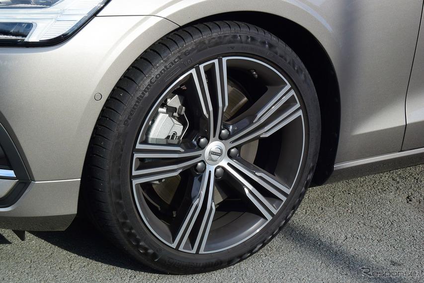 タイヤはコンチネンタル「PremiumContact 6」。ナイスフィールだった。
