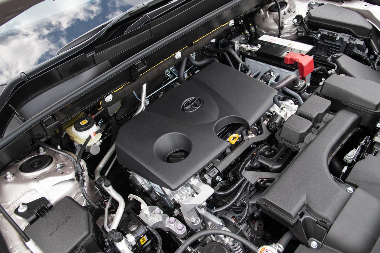 純ガソリン車に搭載される「M20A-FKS」型2リッター直4直噴エンジン。パワーユニットやドライブトレインは基本的に「RAV4」と同じだ。