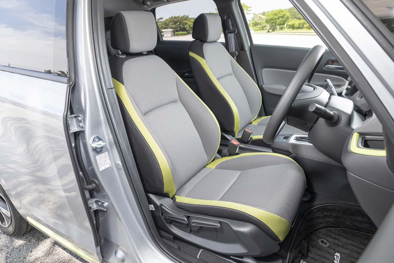 モデルチェンジにともない、フレームから新設計された「フィット」のシート。上級車種「アコード」と同等の掛け心地が追求されている。