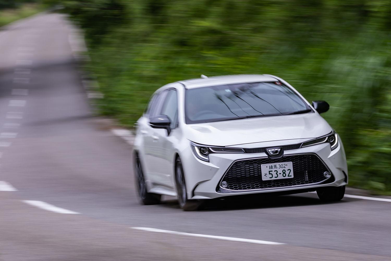 2019年9月の全面改良で12代目に進化した「カローラ」。現行モデルにおいて、ワゴンは「フィールダー」から「ツーリング」に車名が変更された。