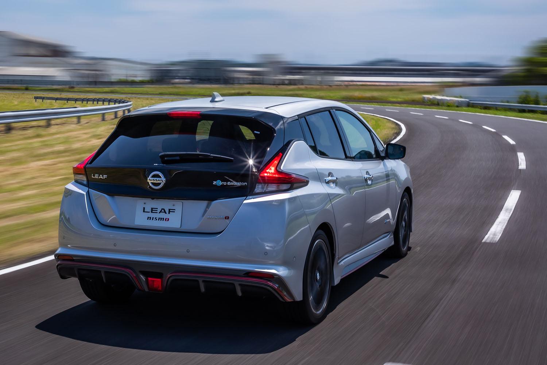 一充電最大走行可能距離はWLTCモードで281km、JC08モードで350kmと発表されている。