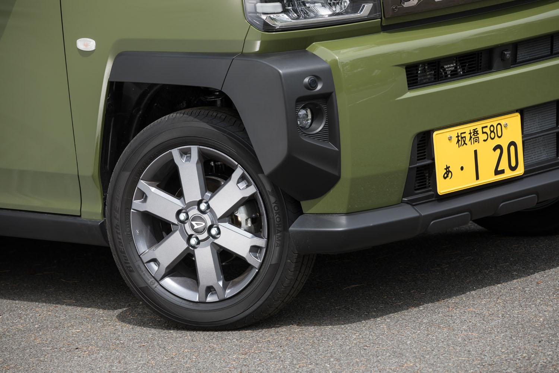 タイヤサイズは165/65R15。ホイールの仕様はグレードによって異なり、「Gターボ」にはガンメタリック塗装のアルミホイールが装着される。