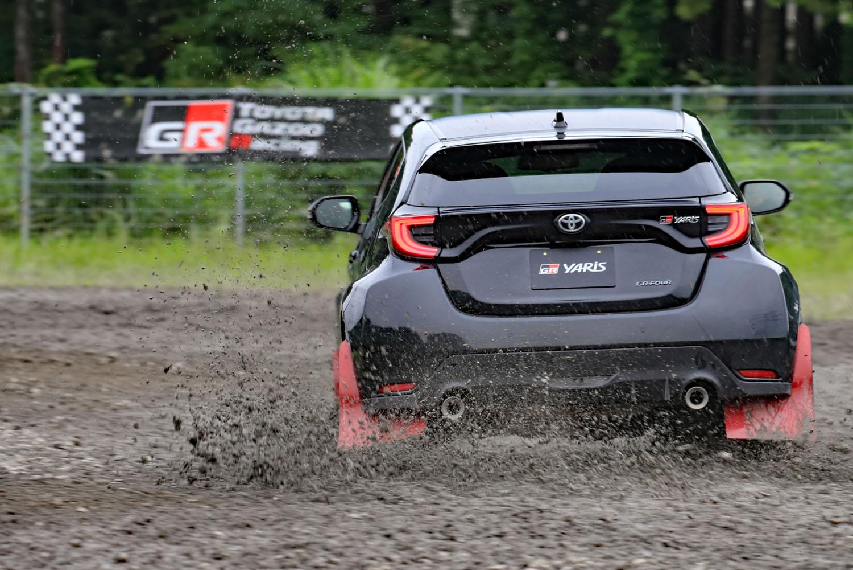 本格的な競技用パーツもラインナップされる予定の「GRヤリス」。モータースポーツへのハードルを下げたいというトヨタの意思が、随所に感じられるモデルとなっていた。