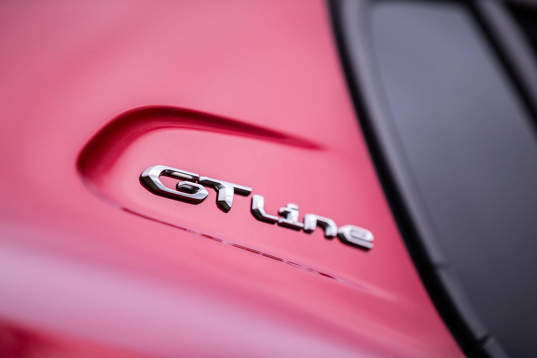 日本導入モデルのうち「208」のガソリンエンジン搭載車は、エントリーモデルの「スタイル」、量販モデルと目される「アリュール」、そしてトップに位置づけられる「GTライン」という3グレード展開。