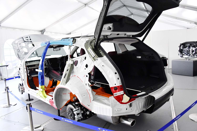 「ワゴン価値の追求」も新型「レヴォーグ」のセリングポイントのひとつ。ハッチゲート開口部の幅や高さが拡大されている。