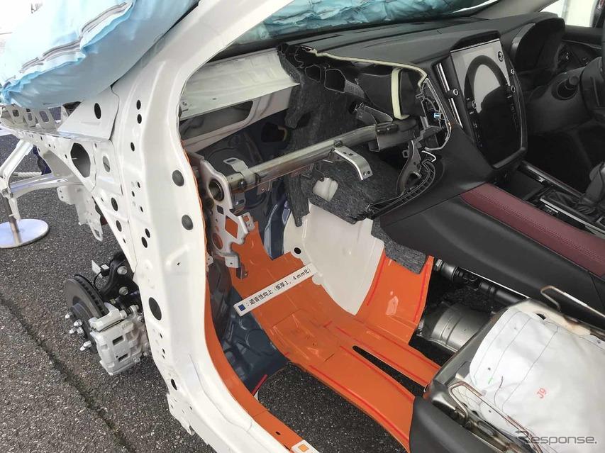 トーボードは輸出用PHEV車と共用。PHEVはボディ強化で使うが、こちらは静粛性向上