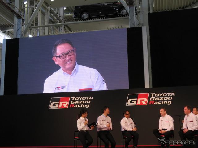 WRCトークセッションにサプライズ登場した豊田社長。