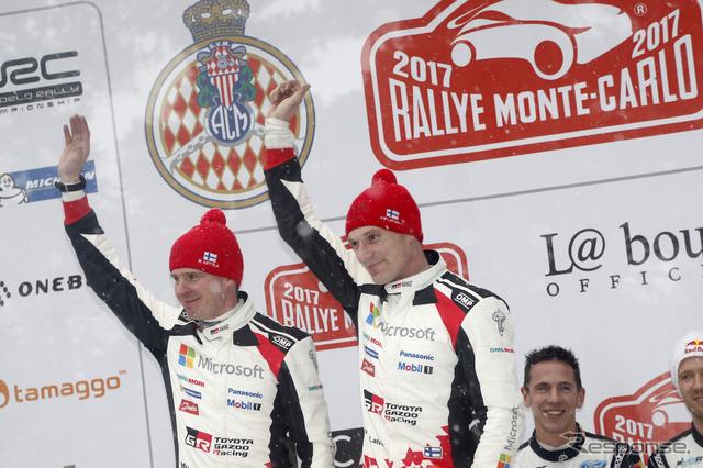 開幕戦で2位表彰台を獲得したラトバラ(右)と、彼のコ・ドライバーであるM.アンティラ。