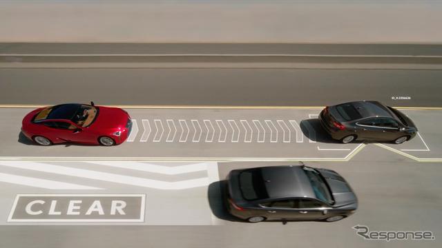 レクサスが開発した追越車線のノロノロ車を移動させる新技術「レーン・バレット」