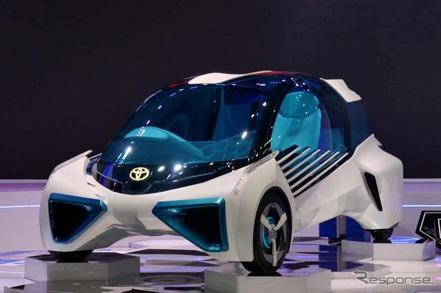 2030年代の水素燃料電池自動車を想定したコンセプトカー「トヨタFCV Plus」を出展