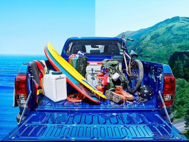 トヨタ ハイラックス Z(ネビュラブルーメタリック)