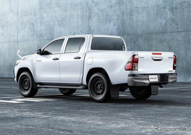 トヨタ ハイラックス X(スーパーホワイトII)