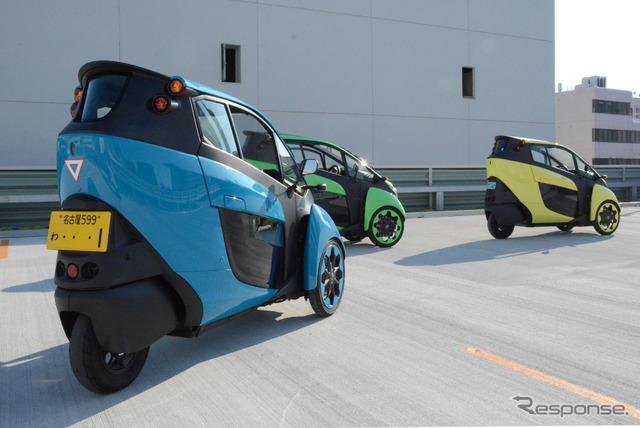 公道体験試乗に使われるi-ROAD。ミニカー登録された1人乗りと、軽自動車登録された2人乗りの2種類がある。後部座席以外の仕様はどちらも同じ