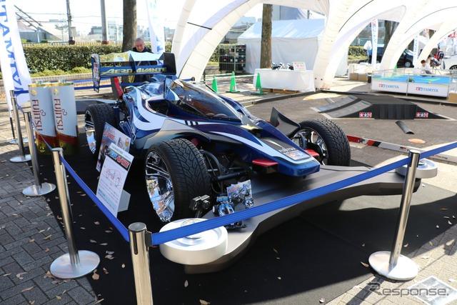 『SHIBUYA SPORTS CAR FES 2017』タミヤブース(1/1 ミニ四駆)