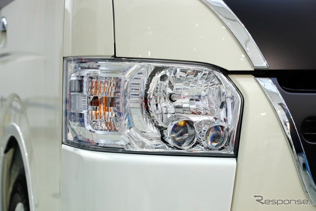 トヨタ ハイエース50周年コンプリートカー リラクベース(ハイエース50周年記念イベント)