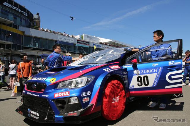 ニュル24時間レースを戦う「SUBARU WRX STI」。