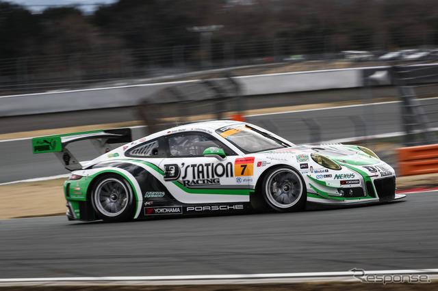 GT300クラス3位タイムの#7 ポルシェ。