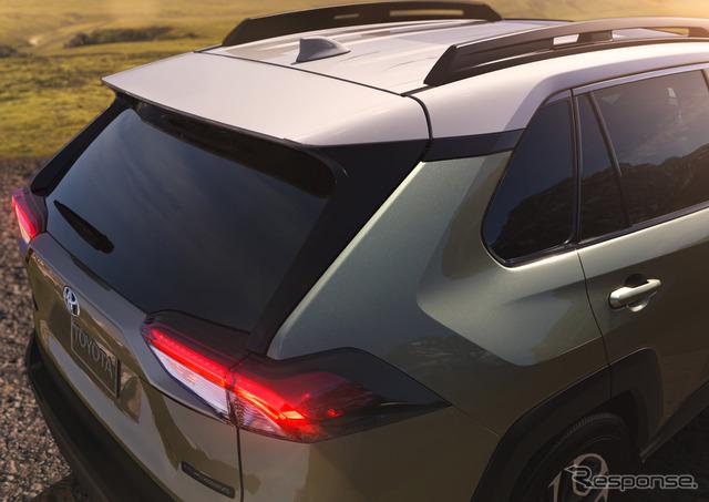 新型トヨタ RAV4 アドベンチャー
