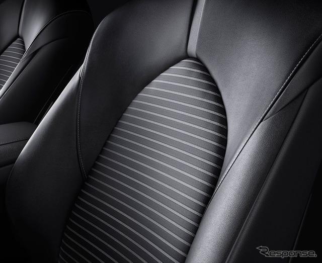 トヨタ カムリ シート表皮(合成皮革×ファブリック)