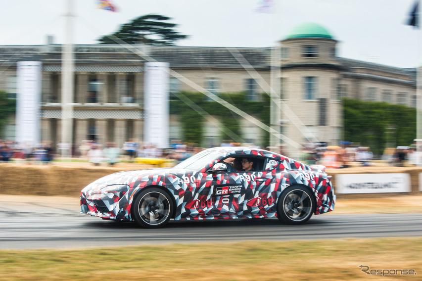 トヨタ・スープラ新型(2019年型)は、すでに偽装付きで先行披露されている。