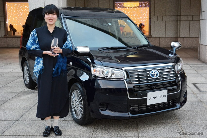 JPN TAXIと花本詩織デザイナー