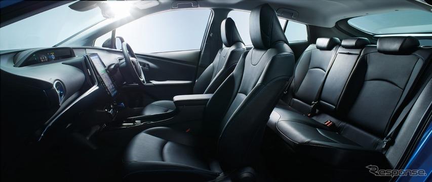 トヨタ プリウス Aツーリングセレクション(内装色:ブラック)