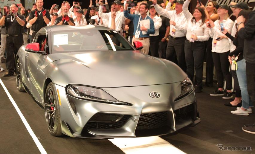 トヨタ スープラ 新型、量産第一号車が210万ドルで落札…新車価格の約40倍