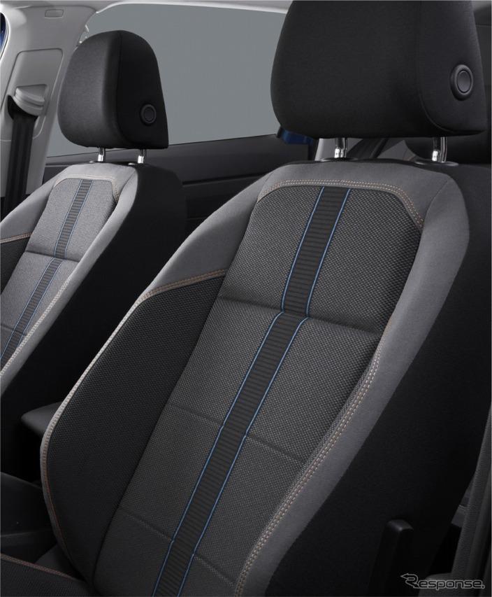 VW ポロ TSI R-ライン インテリアイメージ シート:チタンブラック/リーフブルー