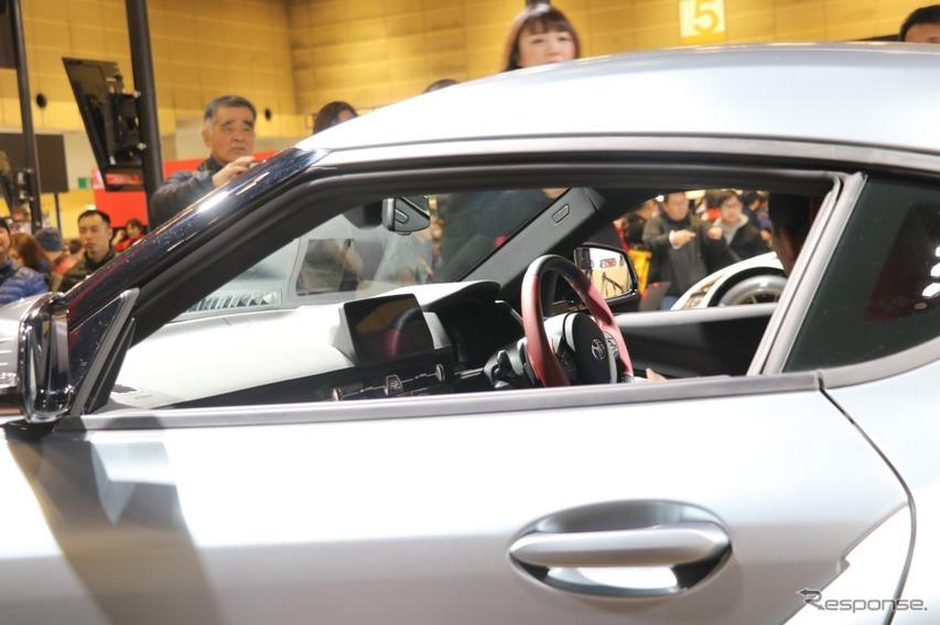 運転席にも座ることができる。一般向けのこうした機会としては、大阪オートメッセ2019が世界初の機会だという。