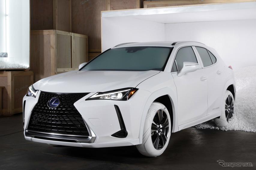 レクサス UX がナイキ「エアフォース1」を履く? ワンオフのホワイトタイヤ