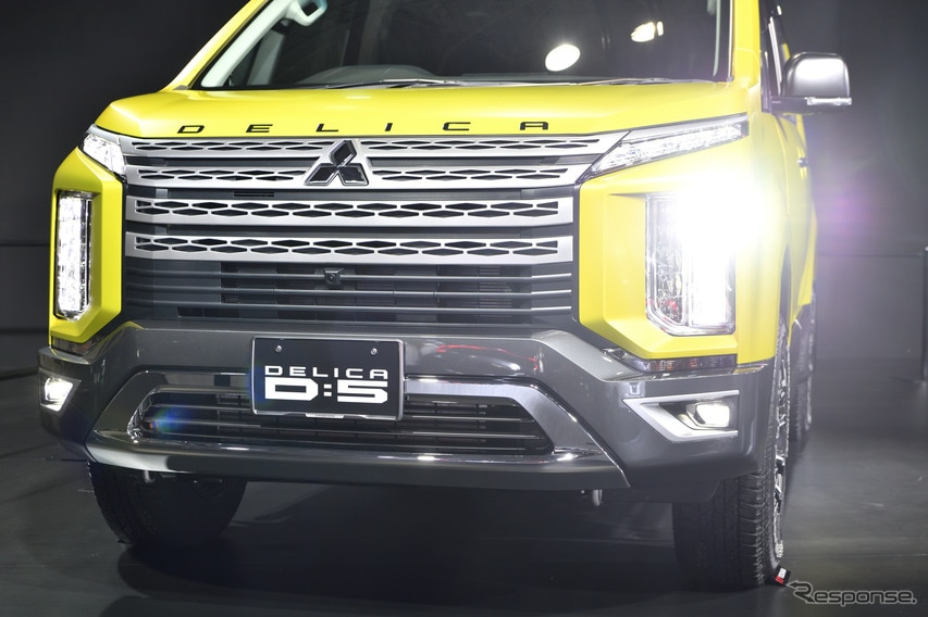 三菱 新型 デリカD:5 純正用品提案車・大阪オートメッセ特別カスタム