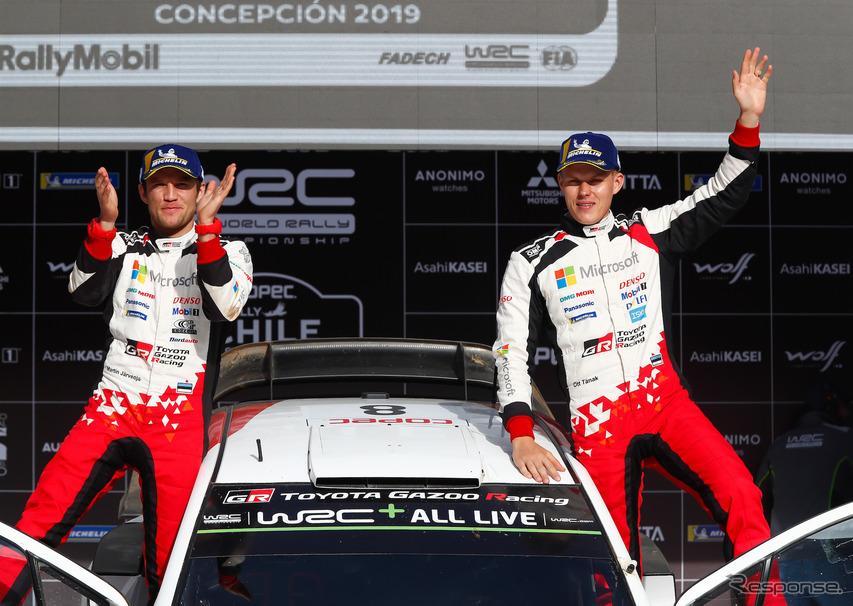 WRCチリ戦を制したトヨタのタナク(右)。左はコ・ドライバーのM.ヤルヴェオヤ。