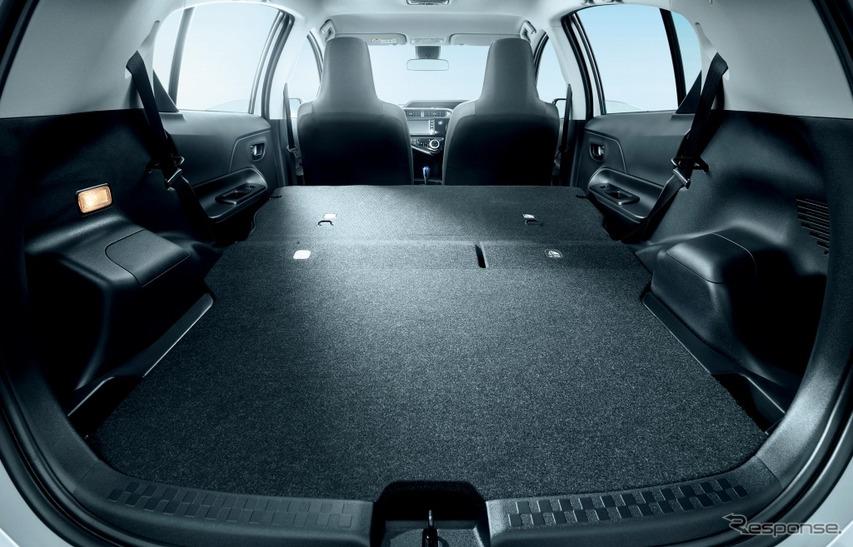 トヨタ アクア 特別仕様車 Sビジネスパッケージ 専用デッキボード