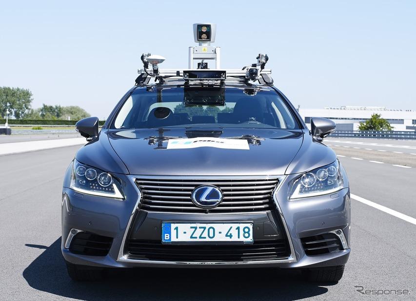 トヨタの自動運転プロトタイプ車(先代レクサスLSベース)