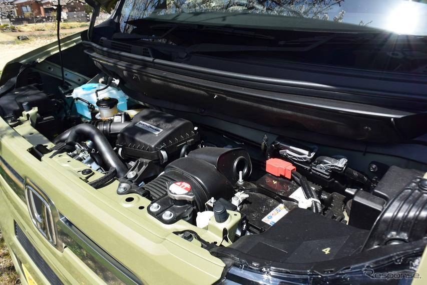 ターボエンジンが収まるエンジンルーム。