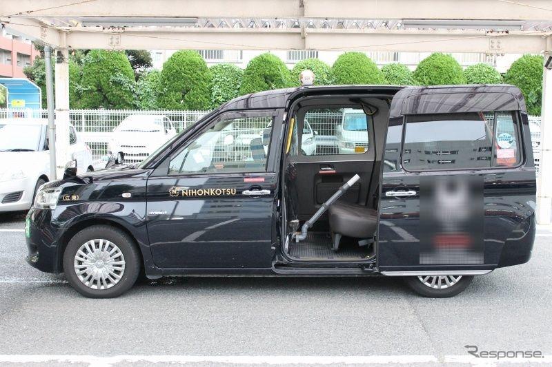 タクシーを改造した新型コロナ軽症患者移送車 日本交通が運行を開始