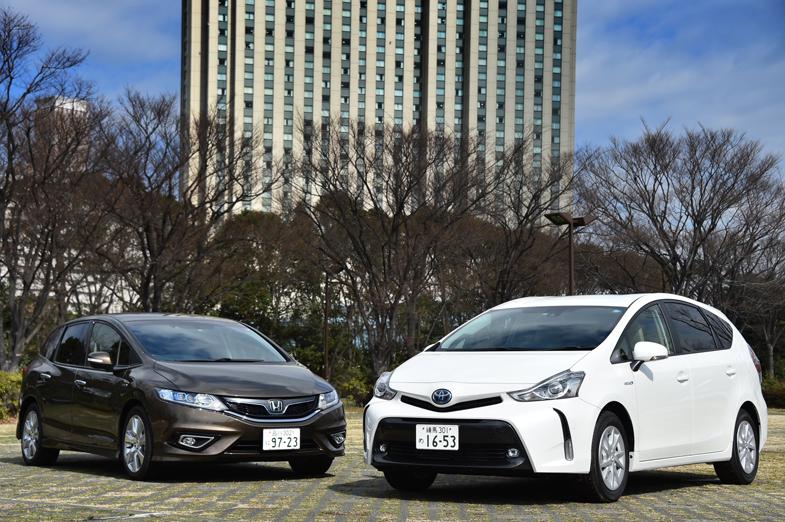 トヨタ プリウスα G(7人乗り) VS ホンダ ジェイド ハイブリッドX ...