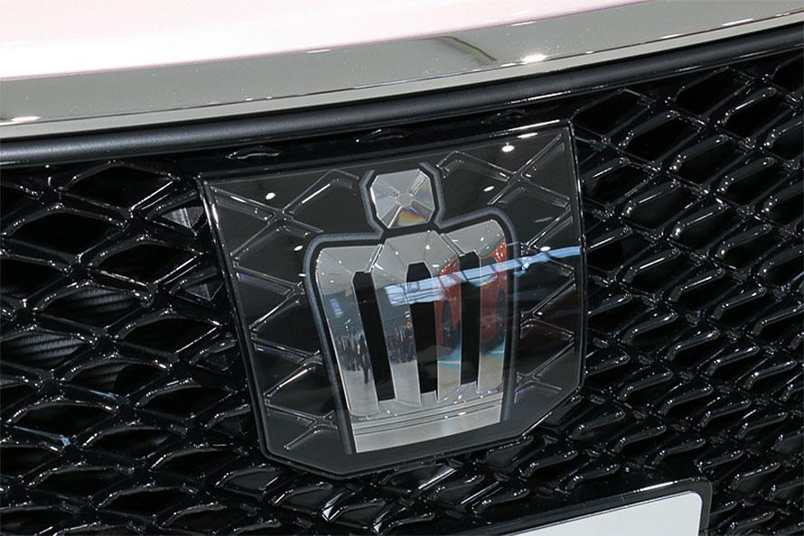 現在トヨタ クラウンを初めとして採用されている運転サポート技術、レーダークルーズコントロールやレーントレーシングサポートは自動運転レベル2にあたる