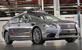 人工知能によるスーパードライバーが運転する自動運転車
