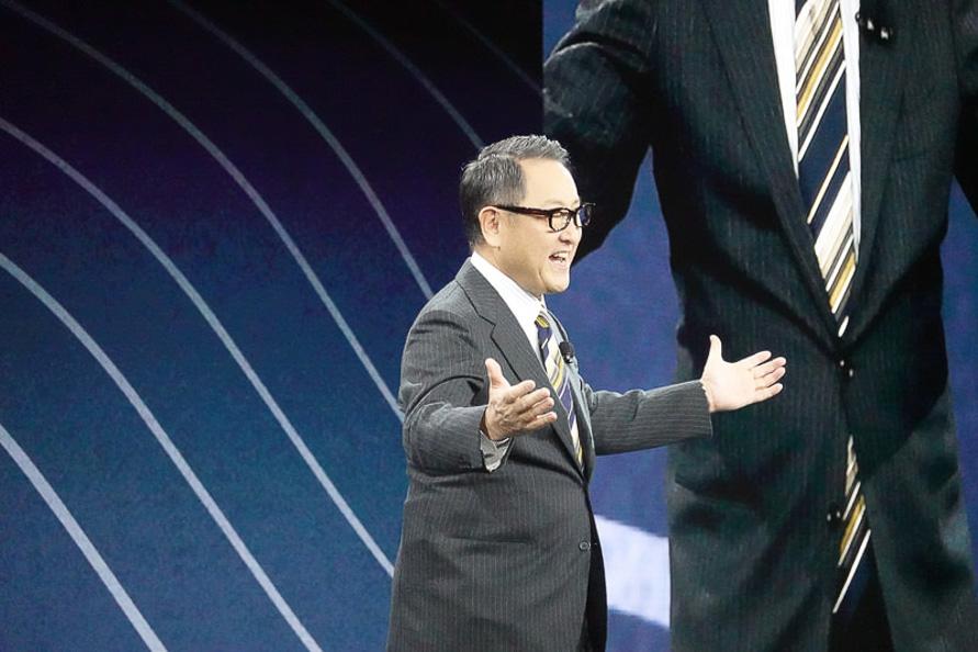 「CES 2020」で「コネクティッド・シティ」を発表する豊田章男社長