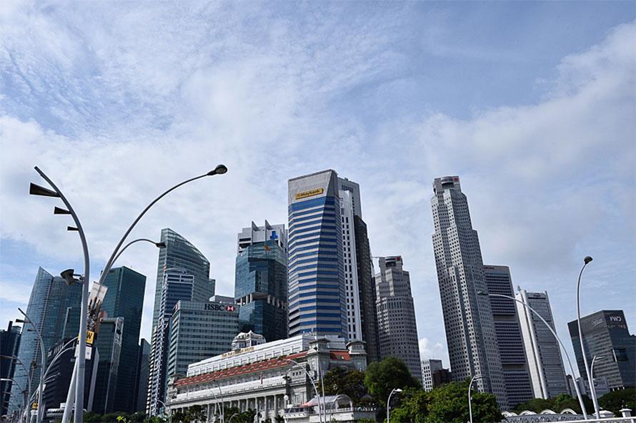 狭い国土ながら、都市部に高層ビルが建ち並ぶシンガポール
