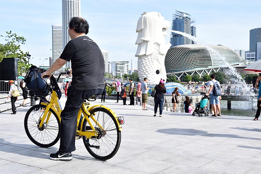 シンガポールの象徴と言えるマーライオンの観光もシェアサイクルで