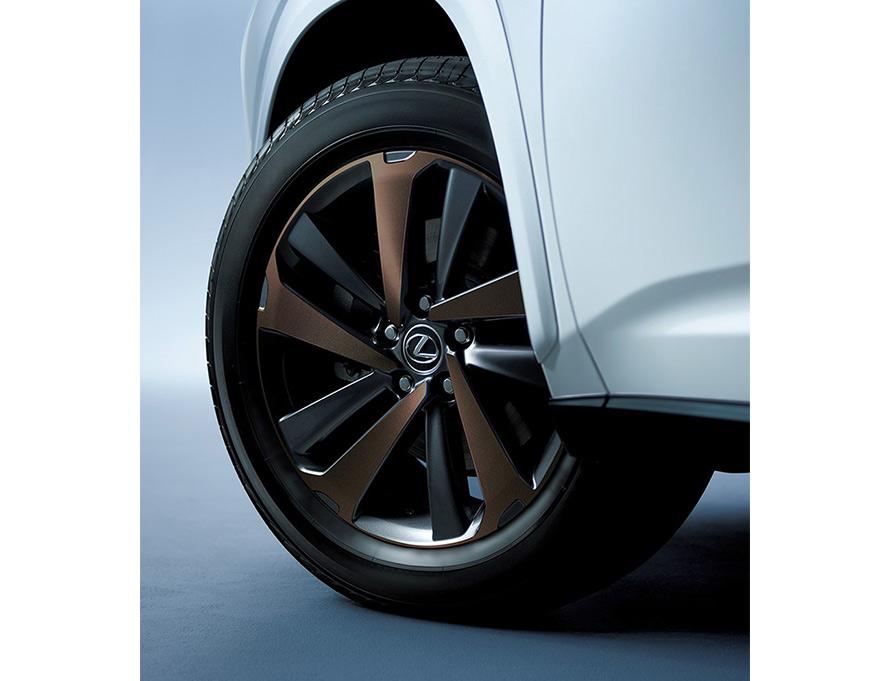 225/60R18 100Hタイヤ&18×7 1/2Jアルミホイール (ブロンズ・カラード切削光輝) ※メーカーオプション