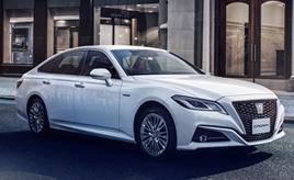 クラウン、安全装備と上質感を高めた特別仕様車を発売