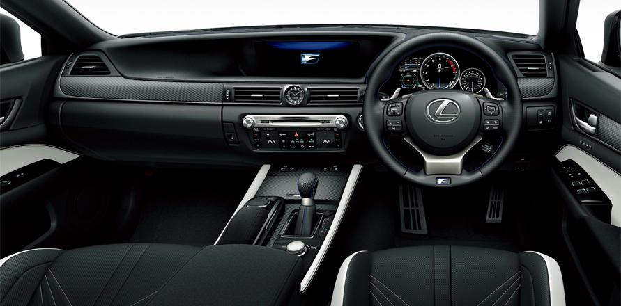 GS F(インテリアカラー : ブラック&アクセントホワイト)<オプション装着車>