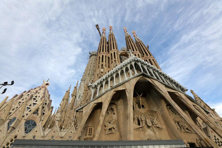 バルセロナの世界遺産サグラダ・ファミリア。ICTのフル活用で工期が300年から150年に短縮する