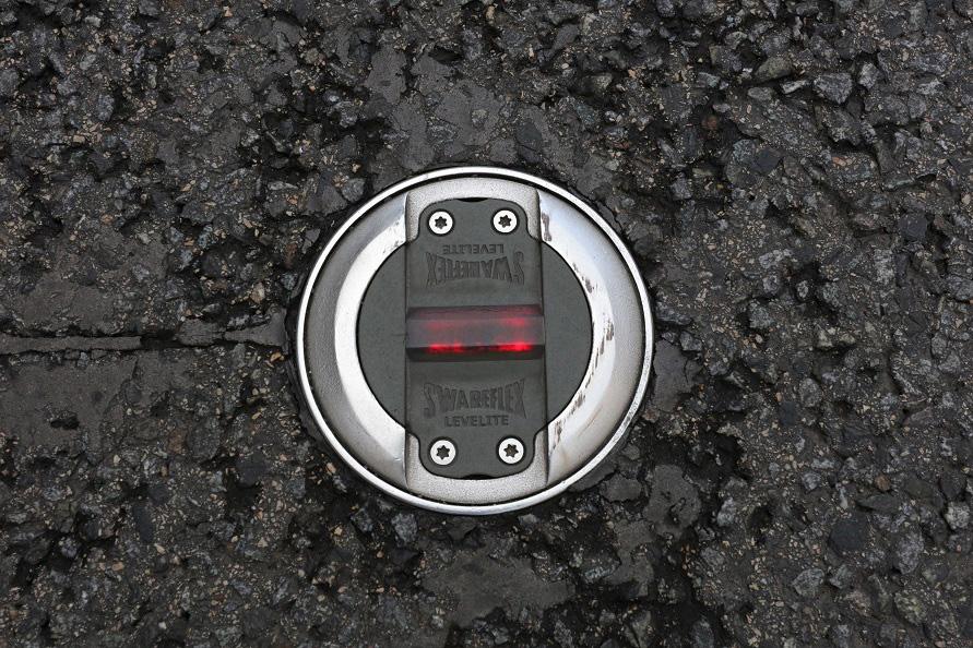 道路のあちこちにセンサーや表示ランプが実装されていた